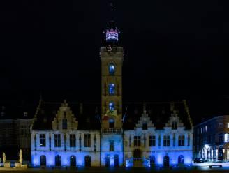 Stadhuis kleurt blauw voor 75ste verjaardag Verenigde Naties