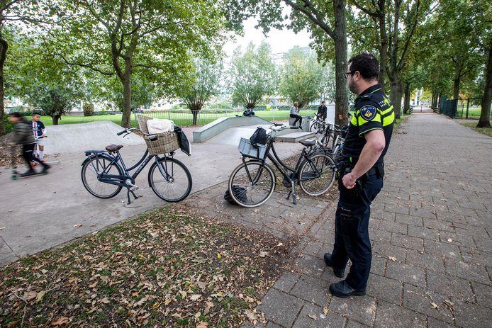 De politie houdt onder meer in het Dreespark extra toezicht om de overlast van jongeren te voorkomen én aan te pakken.