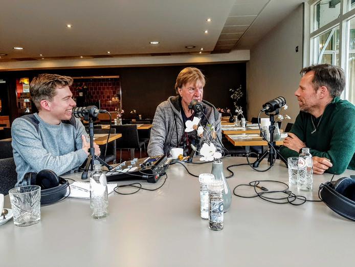 Aad de Mos in gesprek met Pim Bijl en Eric Brommert bij hardlooppodcast De Pacer.
