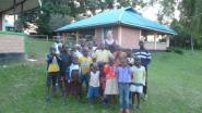 Retro Party steunt Keniaans weeshuis en school