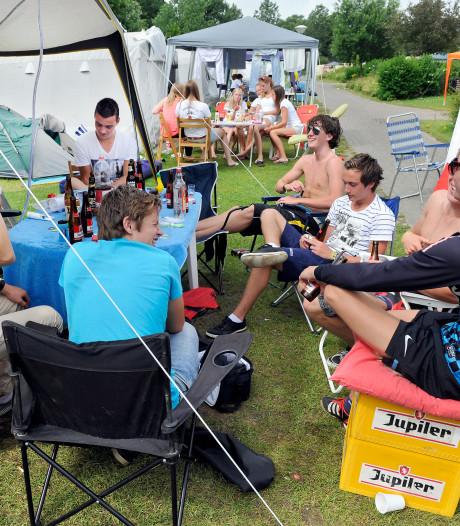 Dinkelland gaat strenger controleren op kamperen met feesten