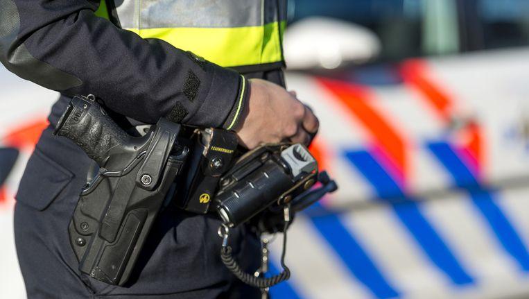Een 25-jarige Amsterdammer die verdacht wordt van een inbraak in Rijsenhout, raakte gewond bij zijn arrestatie. Beeld ANP