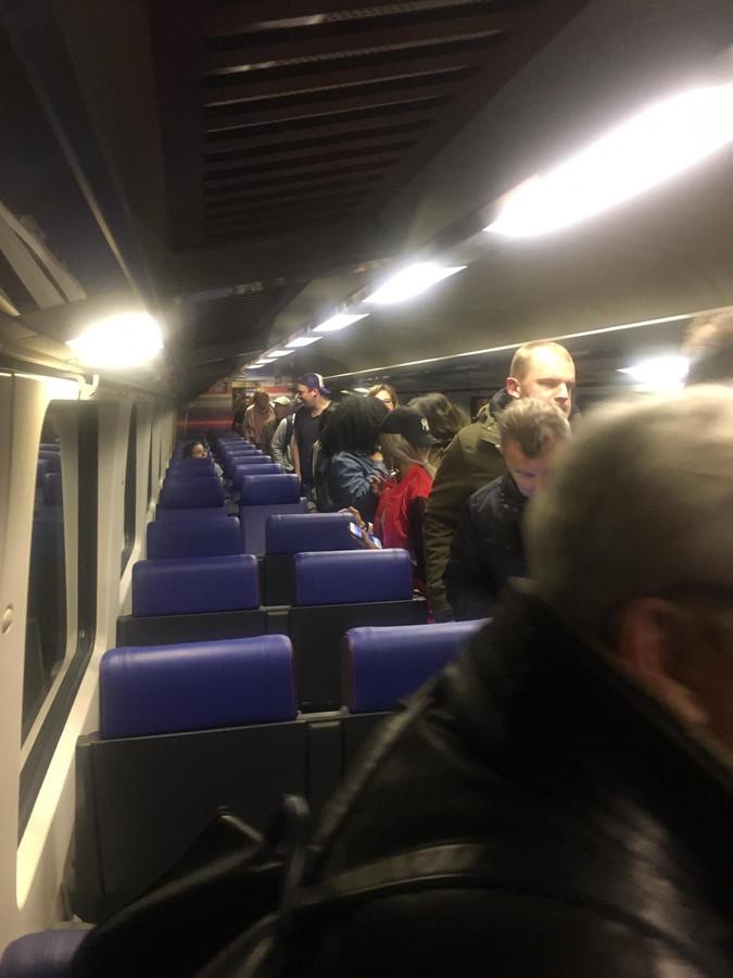 Evacuatie uit pechtrein bij Zevenbergschen Hoek.