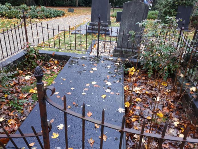Een aantal graven op de Gemeentelijke Begraafplaats in Wierden. Het is niet bekend of een van deze graven wordt opgenomen in de lijst.
