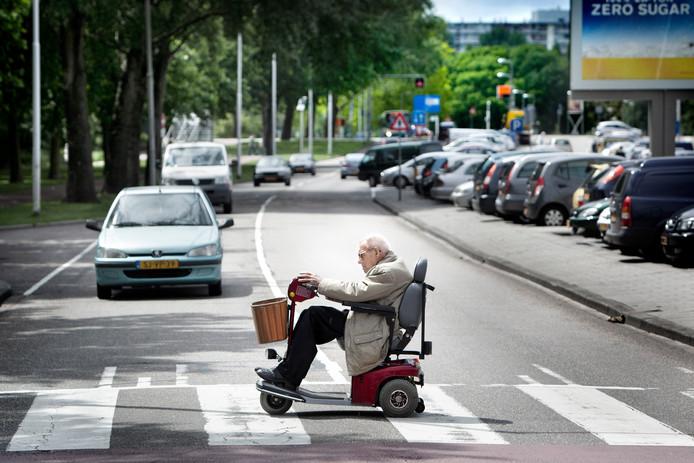Scootmobiel rijden is opletten geblazen.