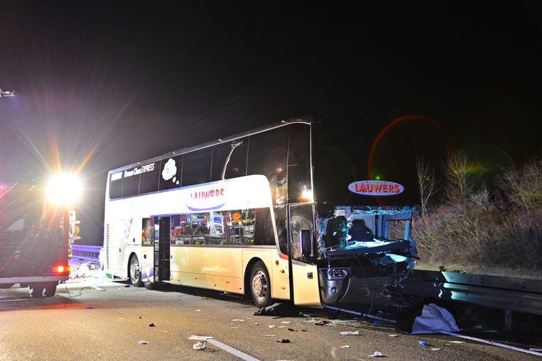 Een Belgische autocar is afgelopen nacht in Duitsland betrokken geraakt bij een ongeval.