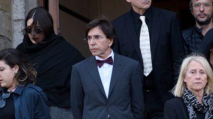 Elio Di Rupo noemt gevangenissen 'onmenselijke parkings'