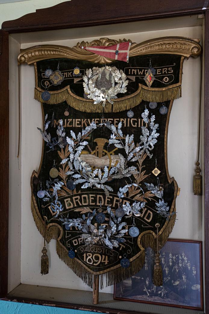 Het oorspronkelijke vaandel van De Broederband.