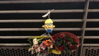 Bloemen voor overleden carnavalist