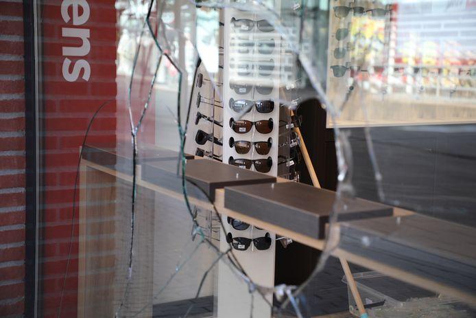 Bij een inbraak bij Hans Anders in Rijswijk zijn zonnebrillen gestolen.