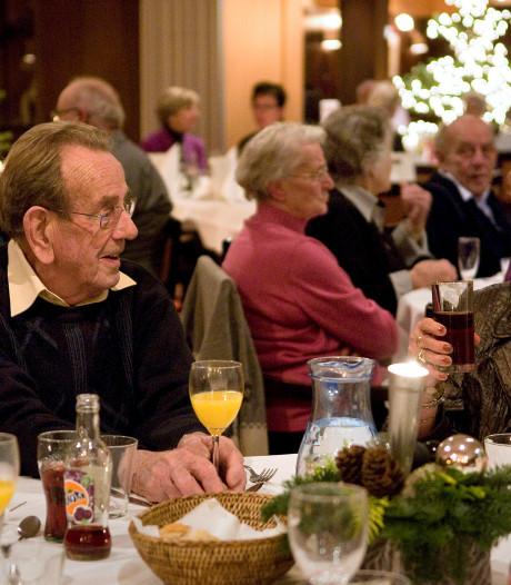Al vijftien jaar kerstdiners voor eenzame ouderen in het Van der Valk
