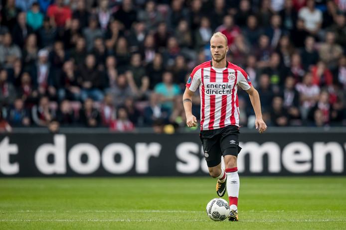 Jorrit Hendrix verwacht dat PSV dit seizoen nog enkele stappen voorwaarts gaat maken.