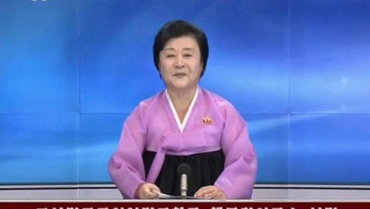 Een nieuwslezeres leest een bericht voor over een nucleaire proef van Noord-Korea op 9 september