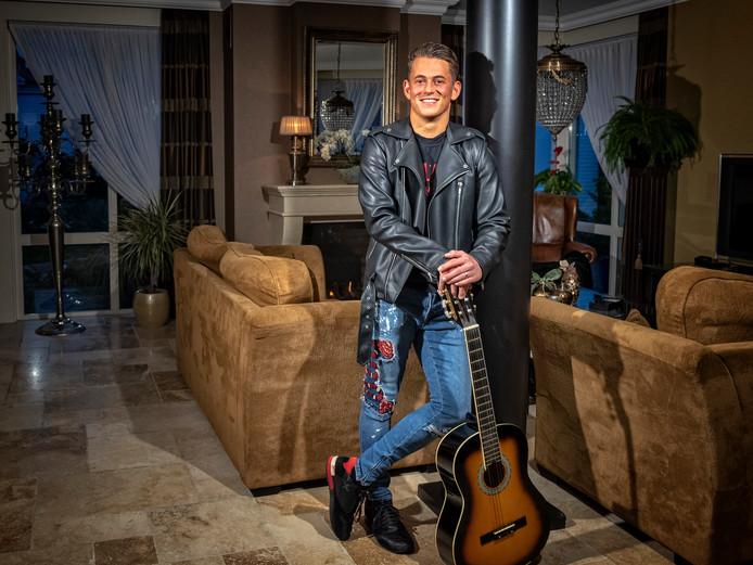 Alphenaar Menno Aben was deze avond te zien in het televisieprogramma The voice of Holland.