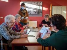 In coronatijd elke maandagochtend koffie-uurtje in Dorpshuis Angeren: 'Ouderen kijken hier naar uit'