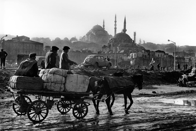 De foto's van Ara Güler (1928-2018) herinneren Istanbul aan haar bloeitijd