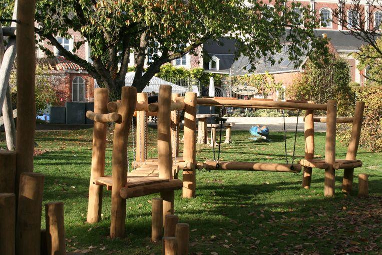 De speeltuigen in het Park worden afgesloten