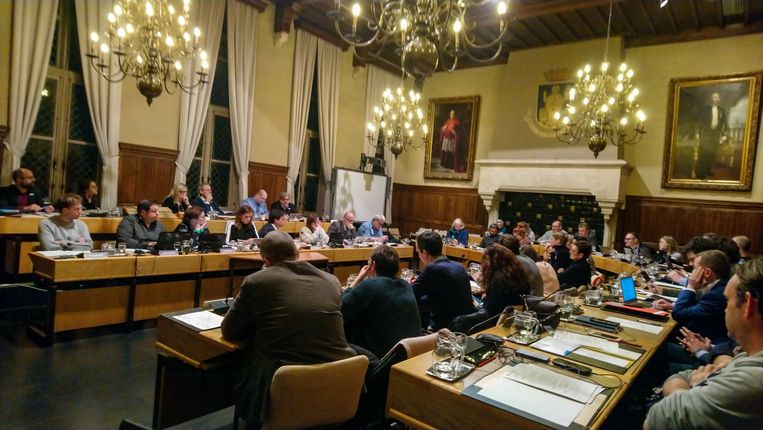 De eerste zitting van de gemeenteraad in Sint-Niklaas in de nieuwe bestuursperiode duurde meteen bijna negen uur.