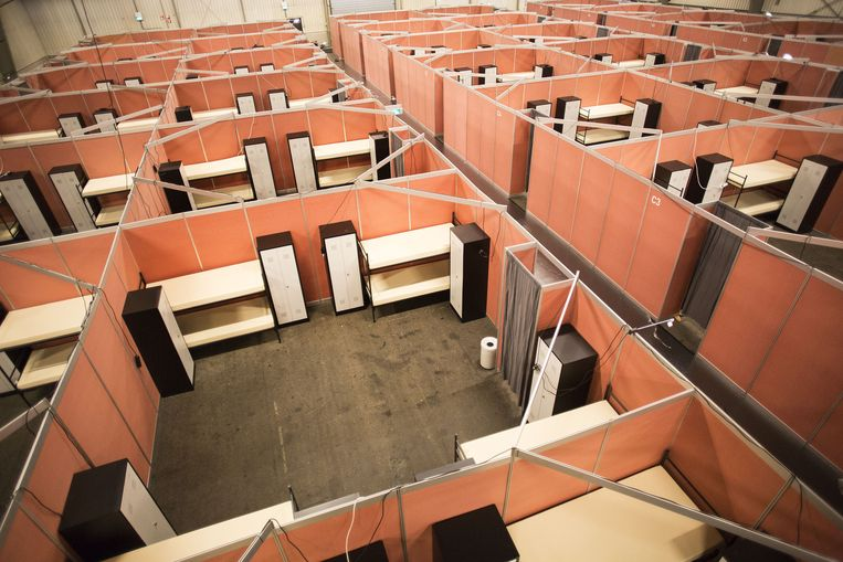 De noodopvang voor vluchtelingen van het COA in de Zeelandhallen. Beeld anp