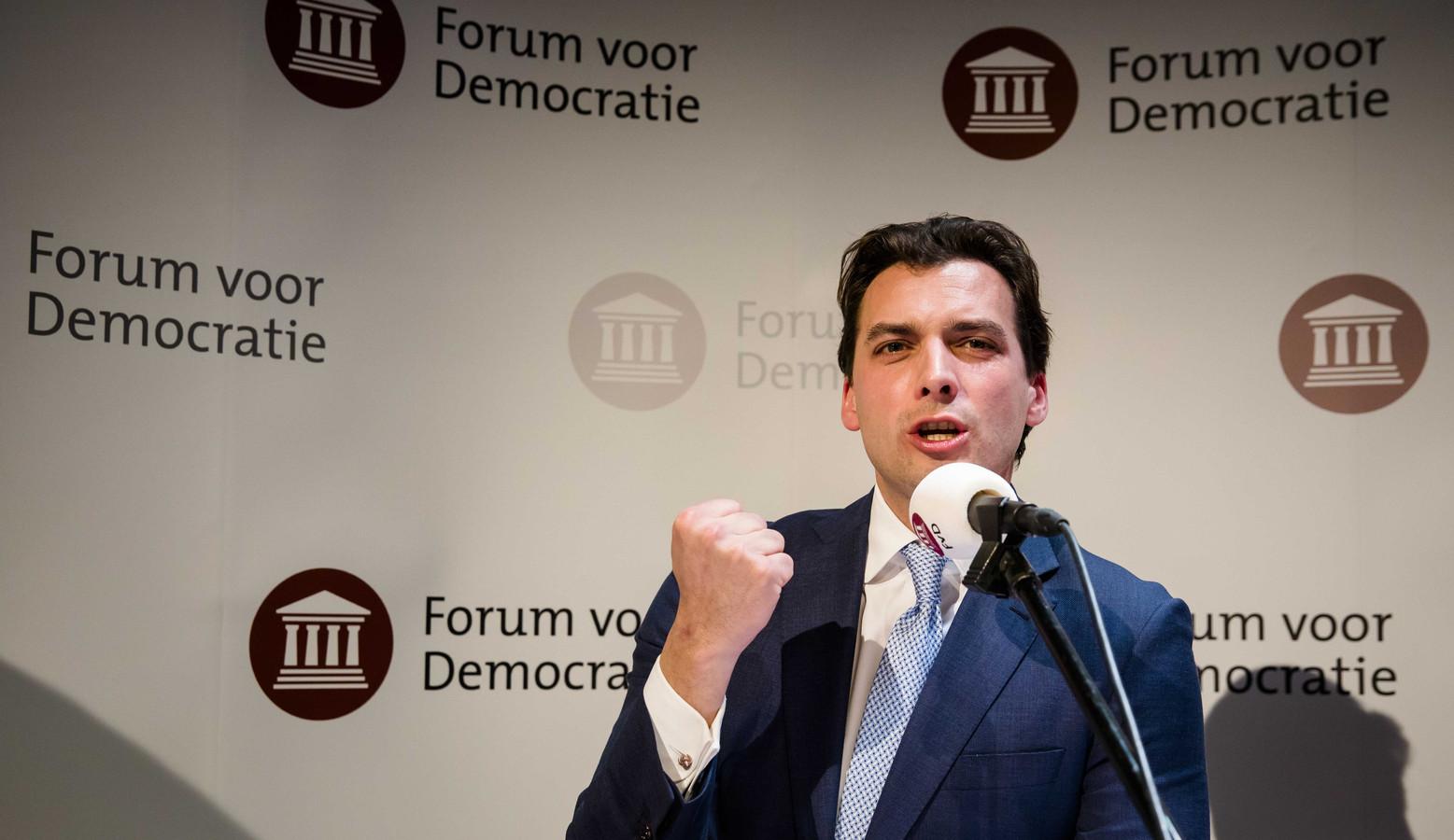 Thierry Baudet spreekt de aanwezigen toe tijdens de uitslagenavond van de Provinciale Statenverkiezingen en de waterschapsverkiezingen.
