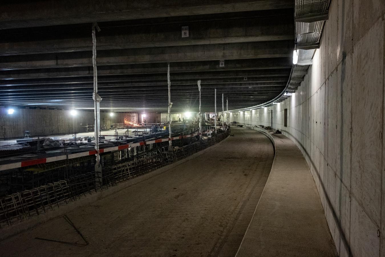 De tunnel onder het Operaplein begint vorm te krijgen.