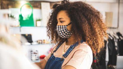Nu mondmaskers op veel plaatsen verplicht zijn: met de tips van onze styliste houd je het fashionable