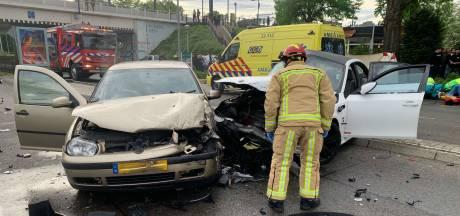 Drie zwaargewonden bij heftig ongeluk in Eindhoven, enorme ravage op de ringbaan