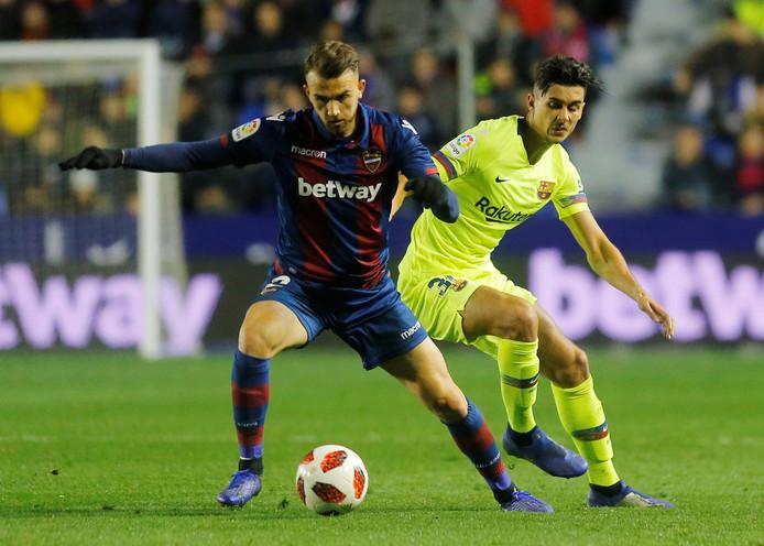 Borja Mayoral in actie tegen FC Barcelona.