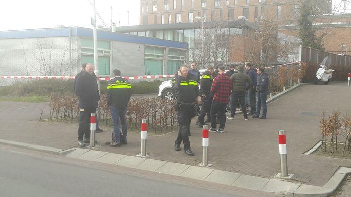 Het politiebureau aan de Marco Pololaan is ontruimd.