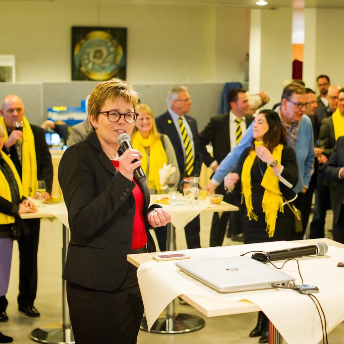 Burgemeester Miranda de Vries tijdens de uitslagen van de gemeenteraadsverkiezingen Etten Leur. Foto: Else Loof / Pix4Profs
