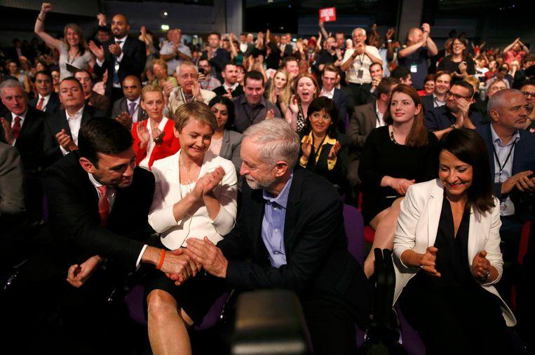 Felicitaties van de andere voorzitterskandidaten Andy Burnham, Yvette Cooper en Liz Kendall aan Jeremy Corbyn