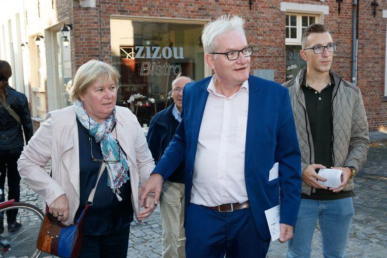 """De echtgenote van N-VA-politicus Pol Van Den Driessche deed de beschuldigingen van seksuele intimidatie af als """"enkele verhalen van jaloerse en gefrustreerde vrouwen"""". Beeld BELGA"""
