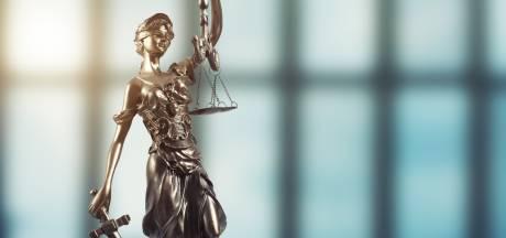 Paar uit Ommel boos op burgemeester om onterechte beschuldiging hennepkwekerij: 'Hij moet hier aan tafel sorry komen zeggen'