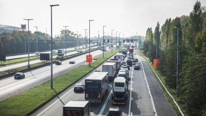 """Politie regelt verkeer niet tijdens verkeersinfarct:  """"Het heeft toch geen zin"""""""