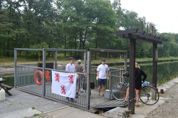 Het veerpont aan De Laks in Oud-Turnhout