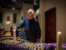 Kerk Heerde brandt kaarsjes voor alle overledenen: 'Corona sloeg een gat in de dorpsziel'