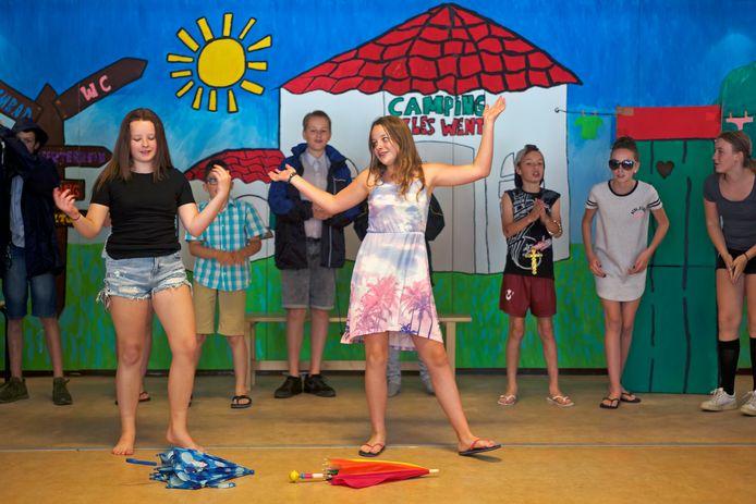 Groep 8 van basisschool Paulo Freire uit Oosterhout speelde enkele jaren geleden de musical op school. Nu kan dat ook in de Bussel.