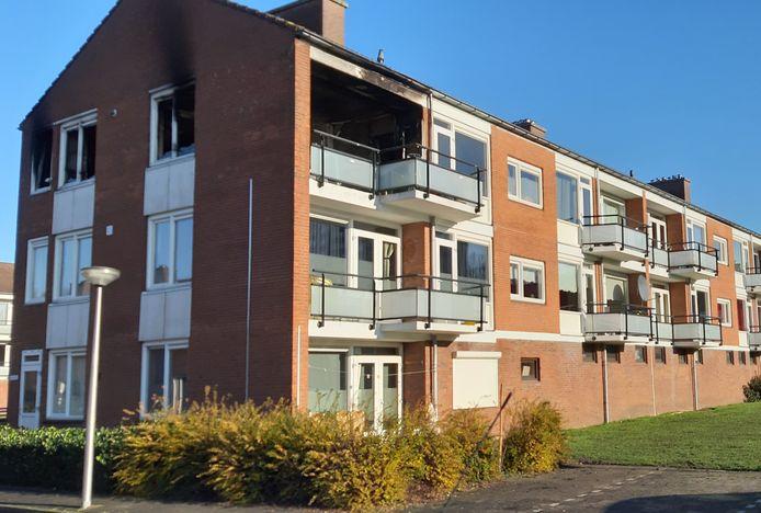 De verwoeste woning in de Roerstraat.