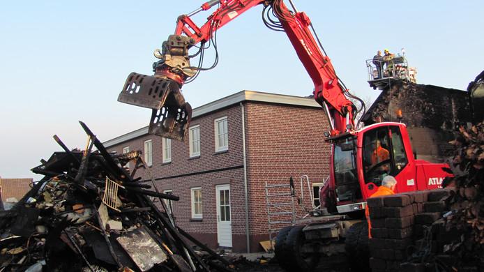 Het huis in Velddriel is verwoest door de brand.