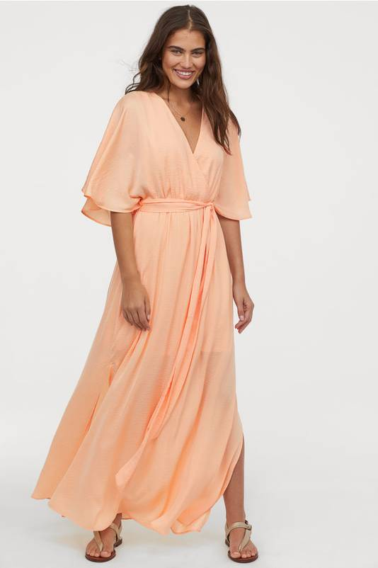 Robe fluide couleur abricot - 59,99 euros