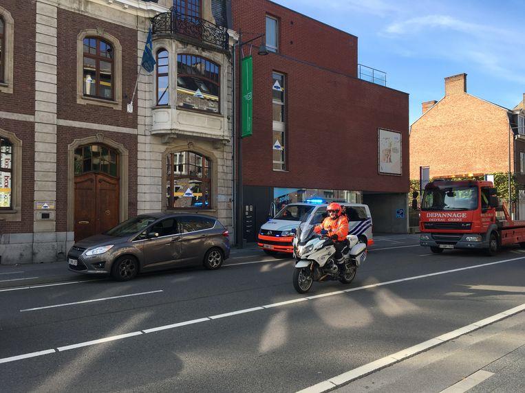 De bestuurster werd gewond naar het ziekenhuis gebracht.