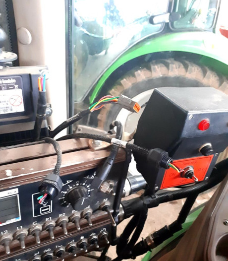 Criminelen jatten peperdure GPS-systemen bij loonbedrijven
