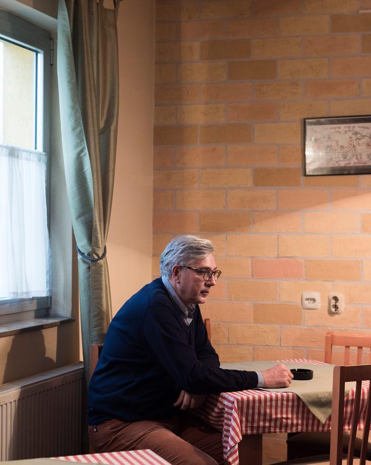 'Het is vreselijk wat er in Srebrenica is gebeurd', zegt advocaat  Aleksandr Lazarevic, 'maar dat betekent nog niet dat iedere Bosnische Serviër die daar aanwezig was schuldig is.' Beeld Martino Lombezzi