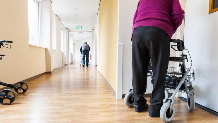 Het aantal 65-plussers dat na een val op de spoedeisende eerste hulp belandt, is in tien jaar met 40 procent gestegen. Beeld anp
