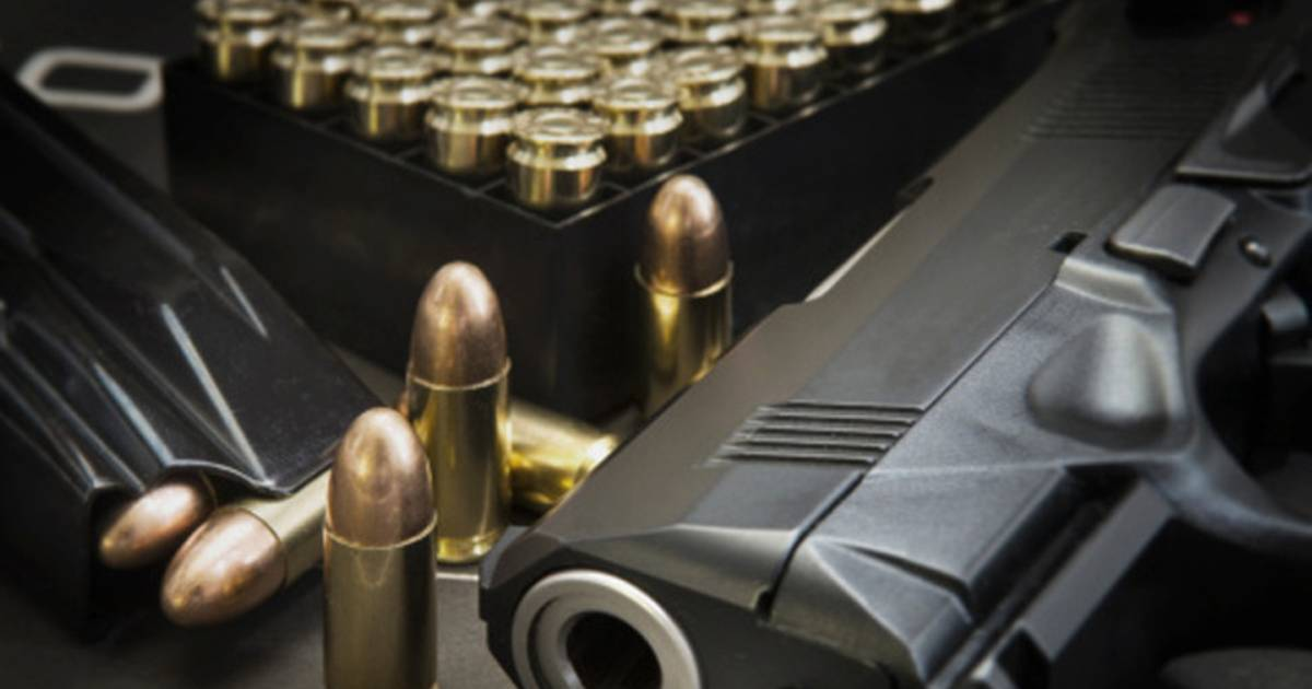Vrouw neemt wraak op ex-man door wapens en munitie in huis