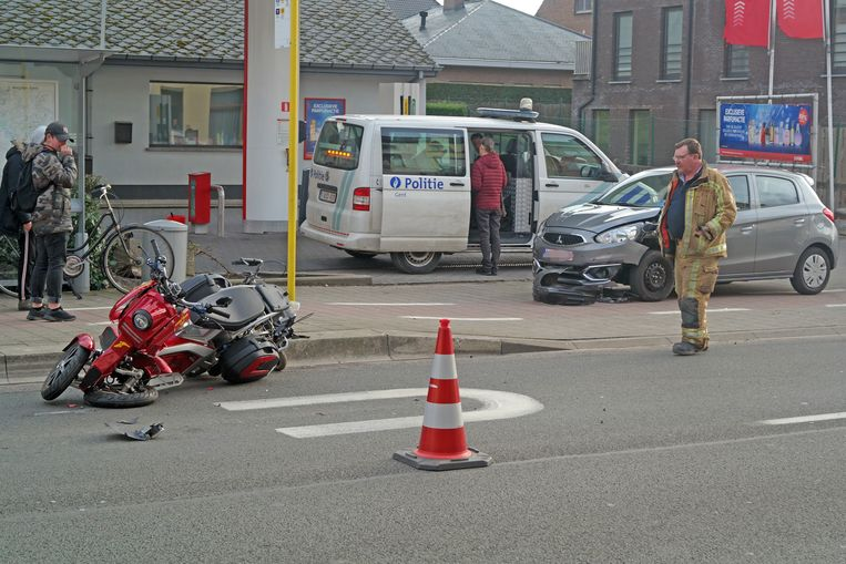 Het voertuig van de bejaarde man raakte zwaar beschadigd.