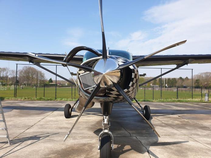 Zo ziet de nieuwe propeller van het Cessna-vliegtuig van  ENPC er uit. Afgelopen weekend werd er voor het eerst mee gevlogen van Breda International Airport, voorheen vliegveld Seppe.