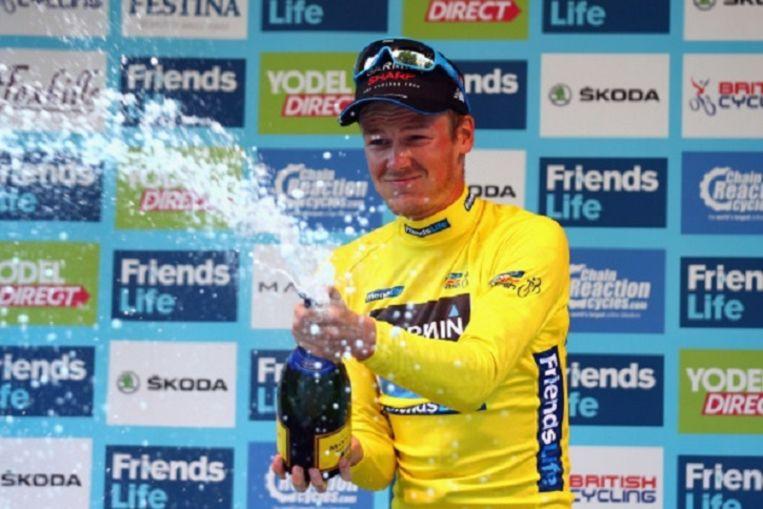 Dylan van Baarle viert zijn overwinning in de Tour van Groot-Brittanië. Beeld getty