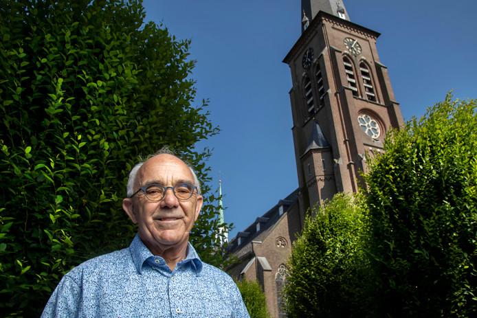 Liempdenaar Jo Custers is secretaris van de  Heilig Hartparochie. Die is over een jaar uit de financiële zorgen.