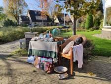 Doesburgers zetten ongewenste Sinterklaascadeaus aan de straat: 'Je doet er anderen een plezier mee'